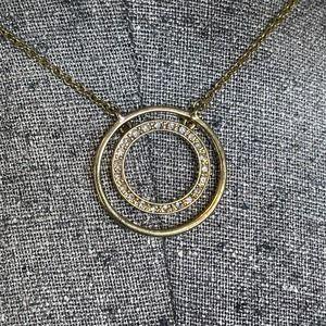 Liz&Co Liz & Co circle pendant gold tone chain lnk